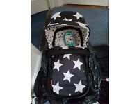 Cossatto giggle car seat and carry cot