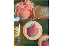 Body shop new luxury ladies mango large size gift set .