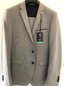 Brand new Mans suit
