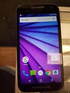 Magnifique cellulaire de marque Motorola, model Moto g 3 , avec Bell et virigin, en super etat pour seulement 99.99$!! (