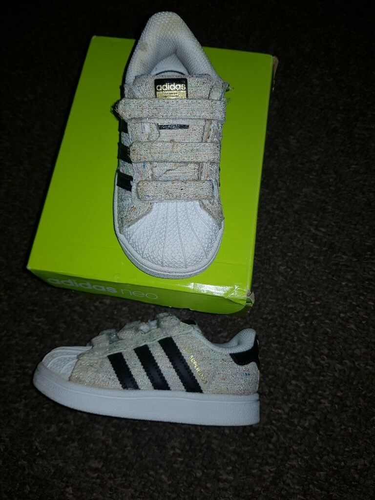 kids adidas trainers size 6