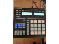 Native instruments Maschine/drum sampler/akai mpc/with software
