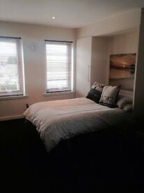 Modern, fully furnished, recently decorated Studio in sought after location.