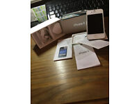 white i phone 4 excellant condition with box and charger one EE 16gb