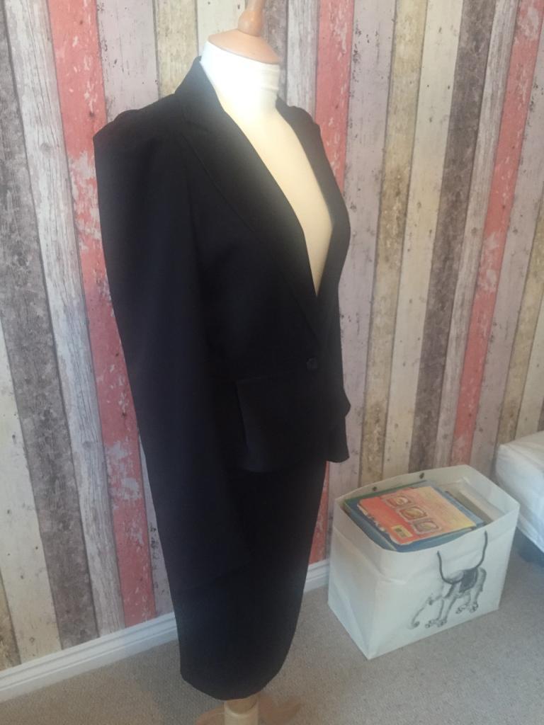 WAREHOUSE Size 10 Skirt Suit