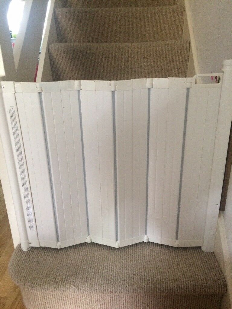 2x Baby Dan Guardme Retractable Folding Baby Stair Gates