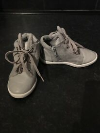 Infant girls size 7 shoe bundle