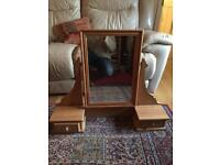 Dressing table mirror and drawer set