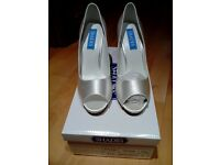 REDUCED PRICE!!!! lovely ladies wedding/ocassion shoes, brand new and boxed, surplus stock