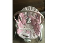 Baby bouncer chair vibrates and plays music