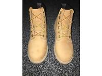 Timberland boots wheat colour size 4