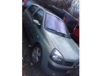 Renault Clio Dynamique 2003 16v 1.4 approx 90k spares or repair
