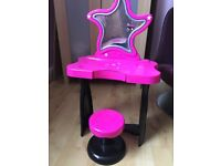 Child's dressing table
