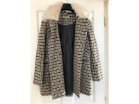Jacket Wills Ladies Dogtooth Coat (size 6)