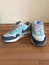 Nike Air Max size 3 VGC