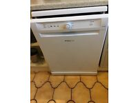 Hotpoint Aquarius FDYB 11011 P 60 cm Freestanding Dishwasher
