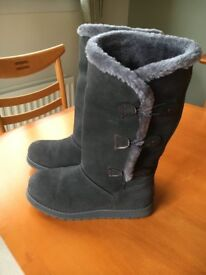 Skechers Keepsakes Appeal Suede Boot with Faux Fur Trim & Memory Foam (Size 4½)