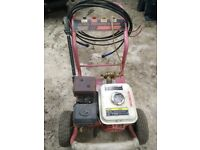 6.5hp petrol power washer. In good working condition. 4 nozzle sizes/patterns.