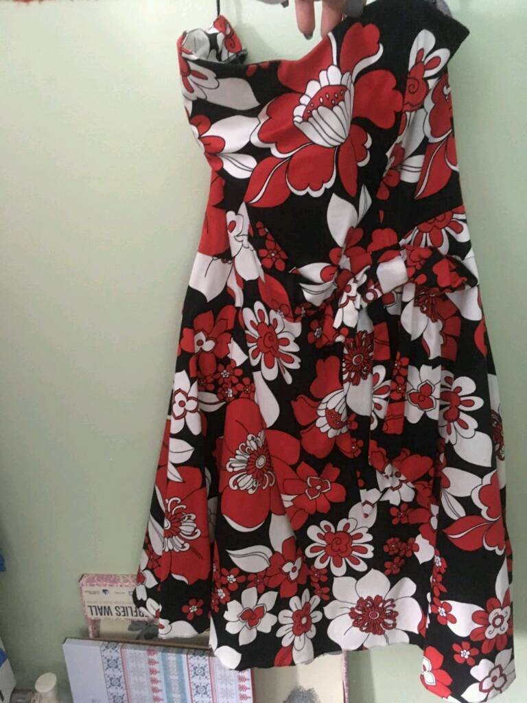 Women's dresses sizes 14 - 20