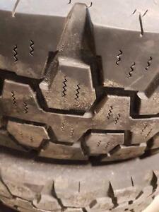 4 pneus d'été, Goodyear, G933 RSD, LT225/75/16, 35% d'usure, mesure 8-8-7-7/32.