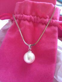 Ivory pearl bridal pendant