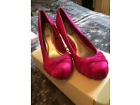 Pink velvet shoes size 6