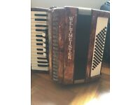 Weltmeister 72 bass accordion in good condition