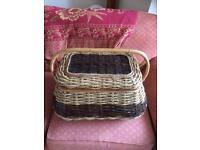 Picnic Basket/Hamper. Retro/vintage