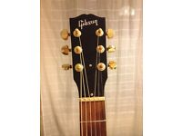 Gibson Songbird Acoustic Guitar fitted with Seagull pickup with hard case £1000 Immaculate Condition