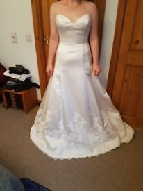 wedding dress new satin and lace