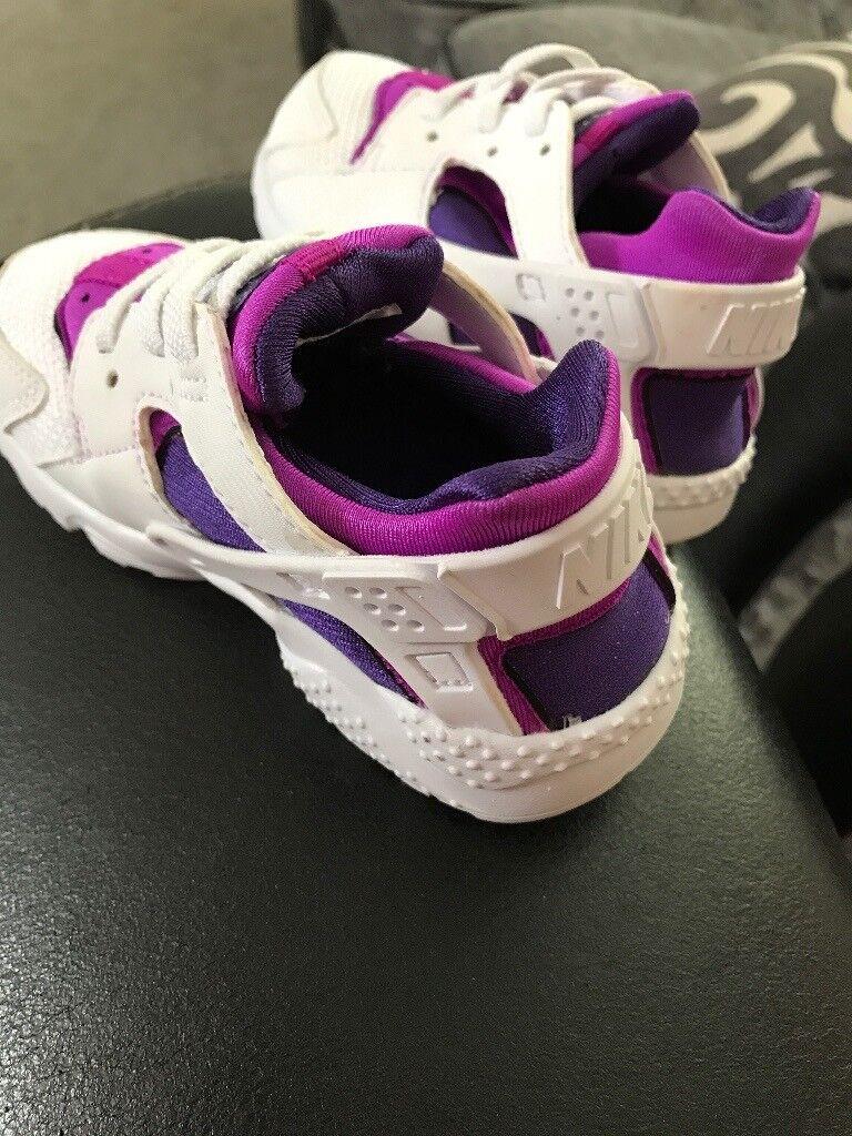 Girls Nike huaraches size 7.5