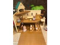 Sylvanian Families berry grove school in excellent condition
