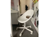 White Desk Chair (great condition)