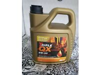 Triple QX 5W-30 long life car oil