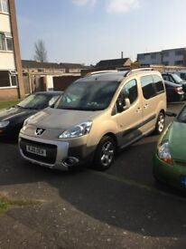 Peugeot Partner Tepee outdoor. Rare opening rear tailgate window. Every extra on this car,