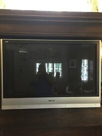 "Panasonic 42"" TV and wall mount with remote control"