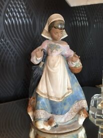 Lladro collectible figurine