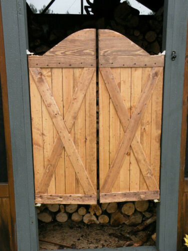 Distressed Rustic Western Barn Swinging Saloon Cafe Doors Bar