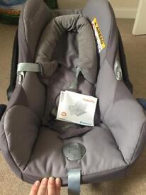 Maxi cosi cabrio seat baby grey bundle