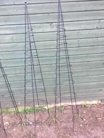 Metal garden climbers