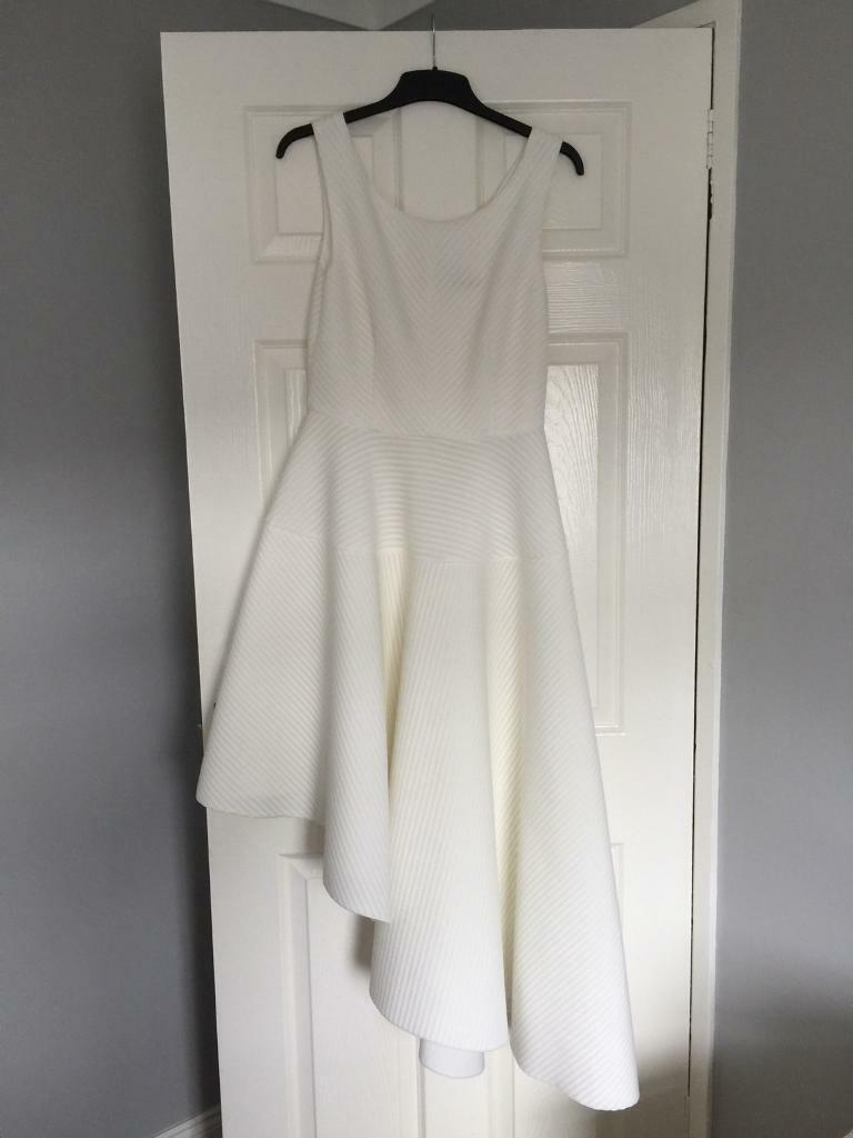 Stunning white dress size 14 from quiz. Worn once