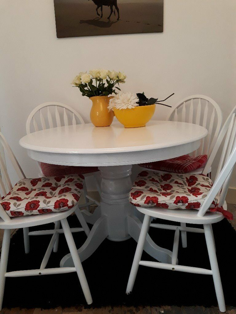 Pedestal Table and Four Chairs