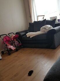 3 and 2 seater sofa excellent conditin