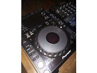CDJ 2000 Nexus x 2 + DJM 900 Nexus