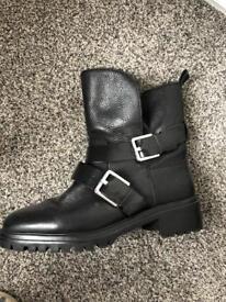 Zara boots size 6. Brand new