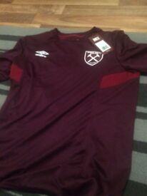 2x West Ham shirts bnwt small mans