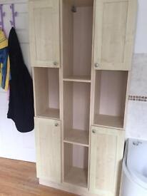 Set of bathroom cabinets