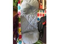 Jo jo Maman Bebe pregnancy cushion