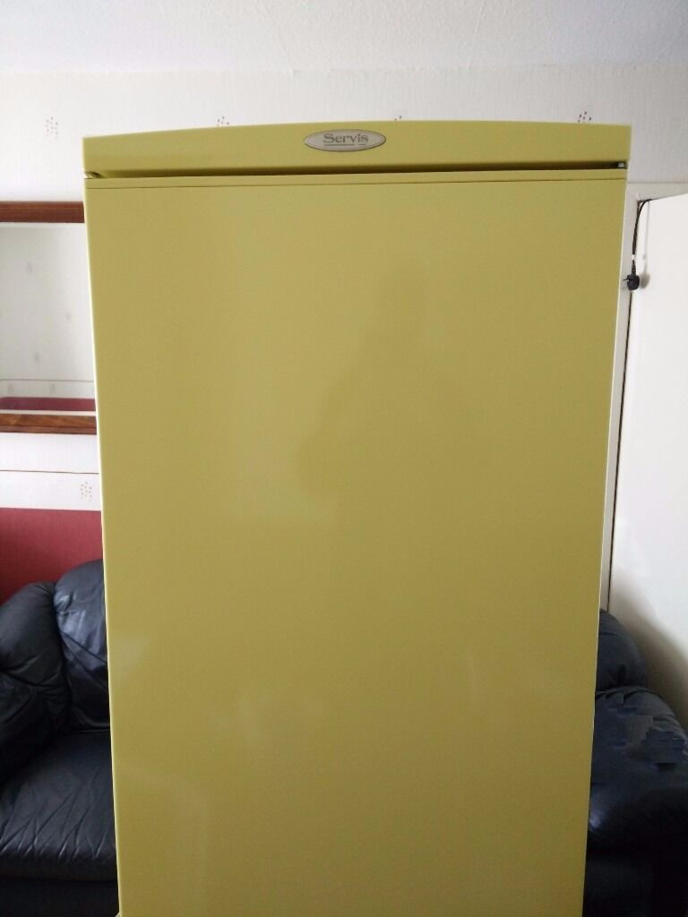 Servis fridge freezerin Dudley, West MidlandsGumtree - Servis fridge freezer Fantastic servis fridge freezer with 3 shelf compartment inside and 1 pull out drawers in fridge. Freezer has 3 pull out drawers. Full working order. Can see working. No rust, v clean. Collection only please