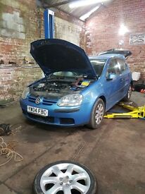 Vw golf mk5 breaking
